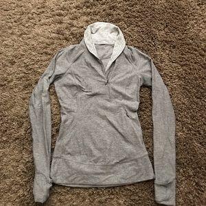 Lululemon long sleeved pullover